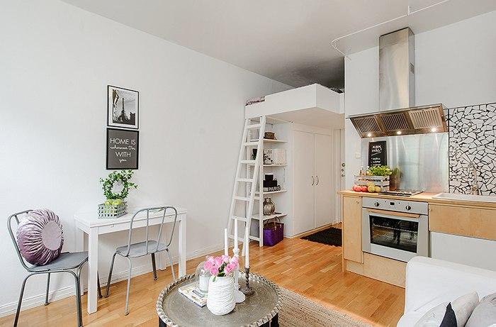 Очаровательная маленькая квартира-студия 19 м с кроватью-чердаком.