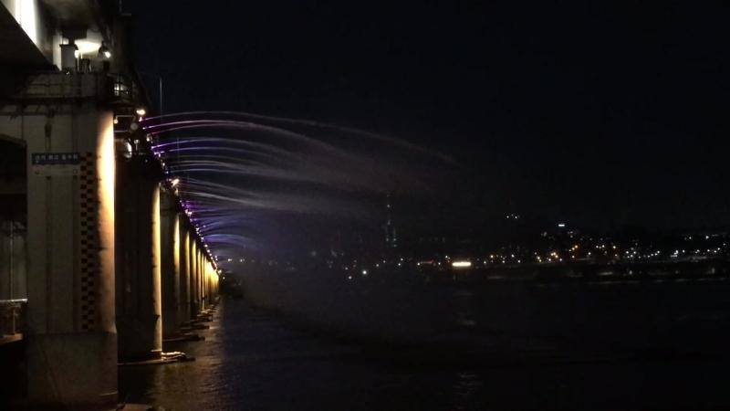 Мост у реки Хан