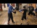 Бокс дальний боковой удар в обход блока