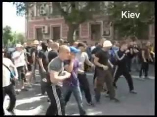 Драка в Киеве с милицией на митинге 18 мая.