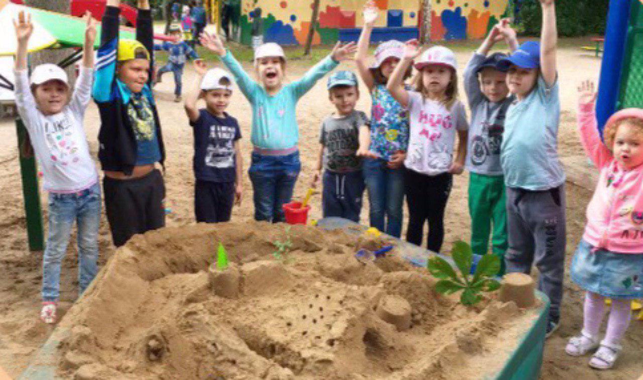 Дошкольники ГБОУ «Школа Кузьминки» возвели постройки из песка