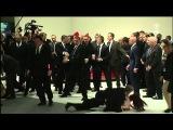 Zwischenfall mit Menschenrechtsaktivistinnen Putin &amp Merkel auf der Hannover Messe