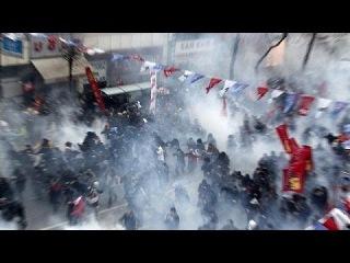 В среду в Стамбуле состоялись похороны 15-летнего Беркина Эльвана