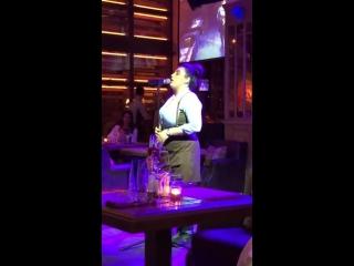 Вот так поют в ресторане Санкт-Петербурга под названием Рибай официанты! (Syuzanna Manukyan)