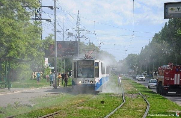 В Таганроге на Дзержинского горел трамвай №2