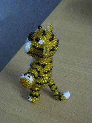 плетение тигра из бисера.