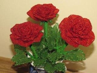 украшения из бисера своими руками. бісер тюльпан схеми. цветок сакуры из бисера. плетеные бисером схемы павлин серьги.