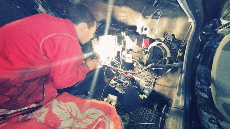 Audi A3 замена радиатора отопителя салона