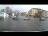 Очень неловкое ДТП в Смоленске на Пятницком путепроводе