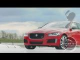 Jaguar XE 300 Sport vs конькобежец Шандор Лю