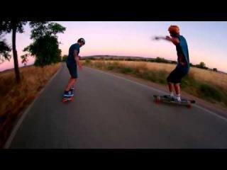 Longboard: amigos por la tabla