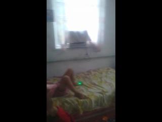 племянница бьет сестру