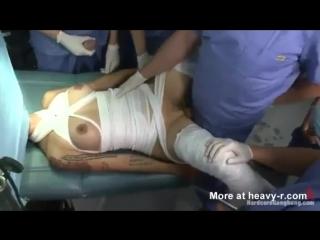 Порно пытки на операционном столе