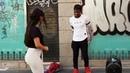 Peruano ofrece bailar salsa cubana italianas -India y latina se animan espontáneamente bailando