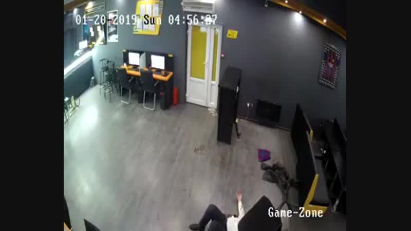 Дерзкое ограбление букмекерской конторы в Алматы
