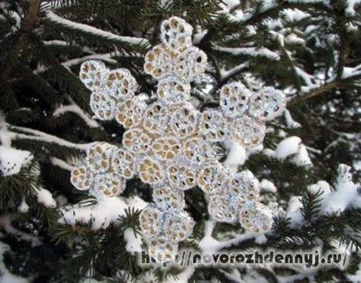 Сделать снежинки на елку своими руками