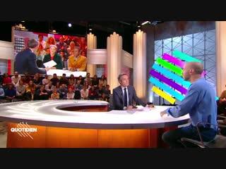 Mehdi Meklat de retour à la TV mais sans son double