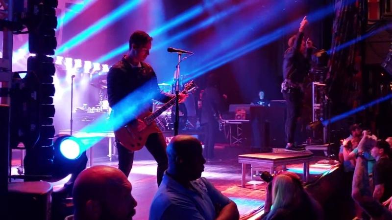 Papa Roach Renegade Music Live House Of Blues 09 10