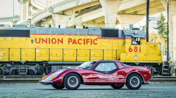 Спортивный автомобиль конца 60-х Bradley GT, США В конце 60-х гг. дизайнером Дэвидом Брэдли Фуллером и автомобильным дилером Гари Курнеем в городе Плимут штата Миннесота была основана фирма