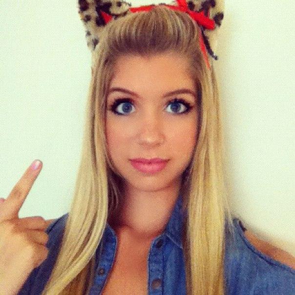 Блондинка с голубыми глазами макияж