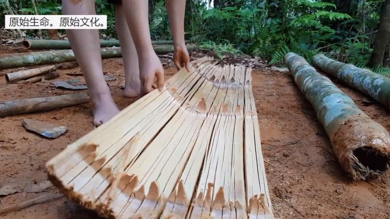 РЕКОНСТРУКЦИЯ 10 ТЕХНОЛОГИИ И БЫТ КАМЕННОГО ВЕКА Изготовление кровати лежанки из расщеплённого бамбука