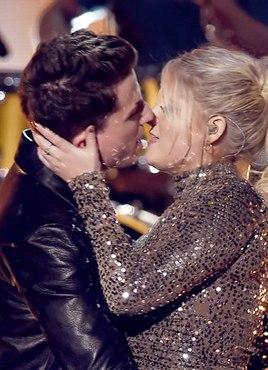 Чарли Пут и Меган Трейнор выступили с синглом «Marvin Gaye» на церемонии «Americ...