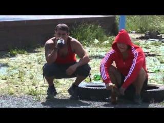 Гопники отдыхают после драки с боксером