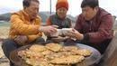 우중충한 날씨엔 막걸리 한 잔과 [[빈대떡(Bindae-tteok, mung bean pancake)]]요리47673방!! - Mukbang eating show