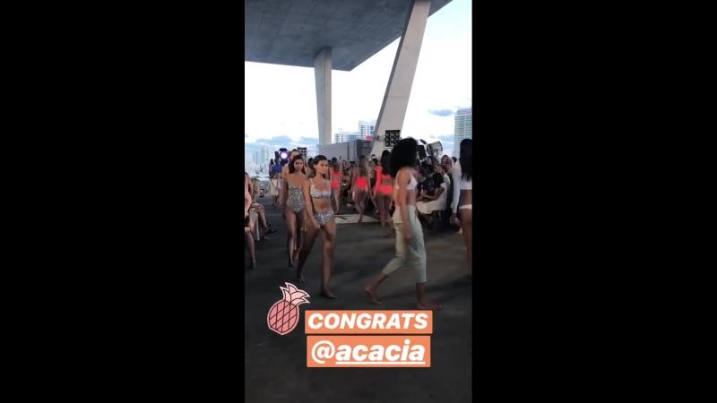 Instagram история Lolli Swim