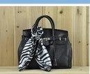 Сумка Б/У, копия брендовой сумки Barbara BUI лаковая.