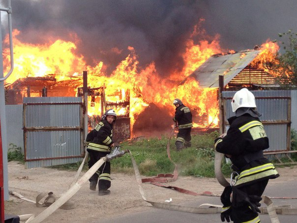 В садовом обществе под Нижнекамском произошел крупный пожар
