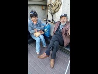 Бабка-курильщица и дед Кузнецов на планёрке с