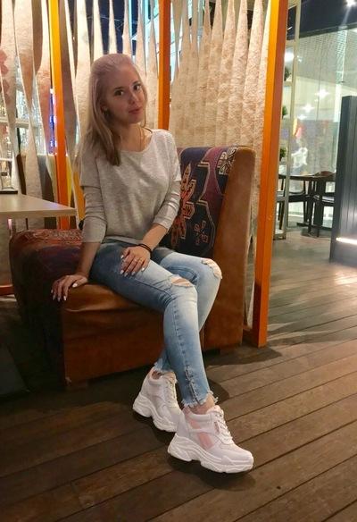Лариса Рзаева