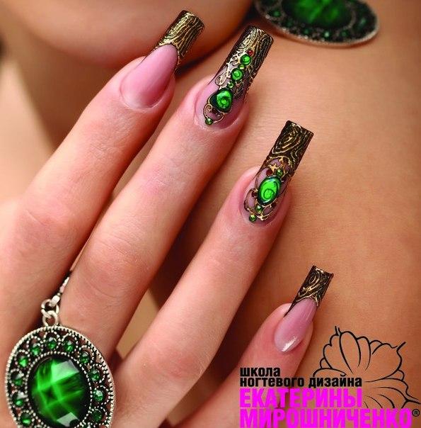 бирюзовый дизайн ногтей: