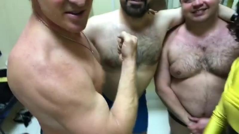 Оля Бузова выложила видео с тремя голыми мужиками