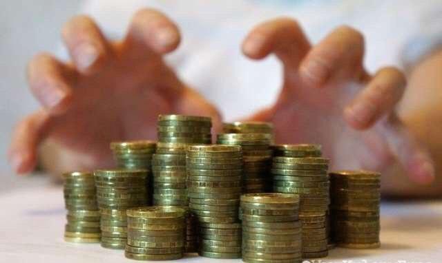 Два томских менеджера получили условные сроки за присвоение 900 тысяч рублей
