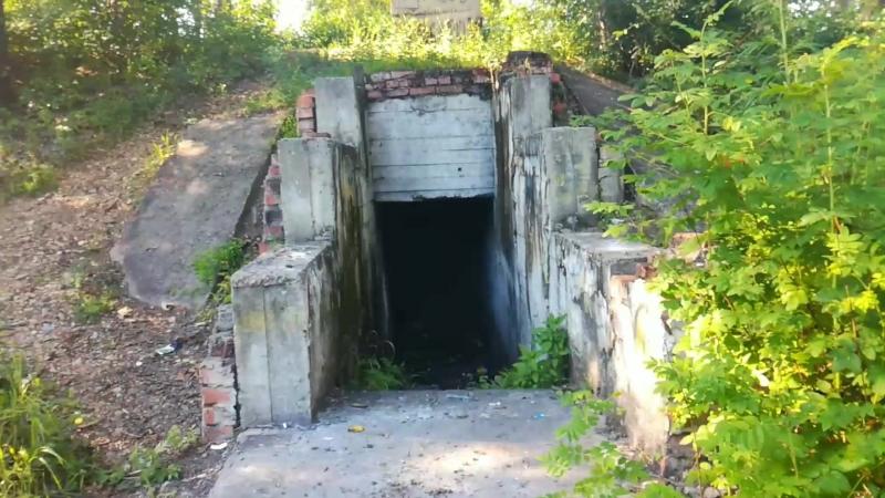 Сталкеры-неудачники №3 (Бомбарь возле Комбикорма) - Провалился в яму с водой
