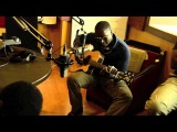 Vieux Farka Toure in India - breakfast jam at Hit 95 FM studios