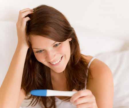 Первый триместр беременности длится от недели до 12.