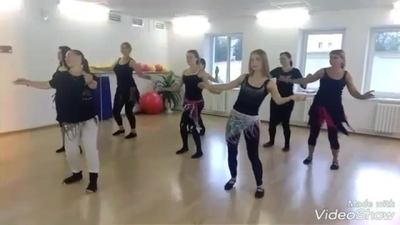 Восточный танец в Комильфо.