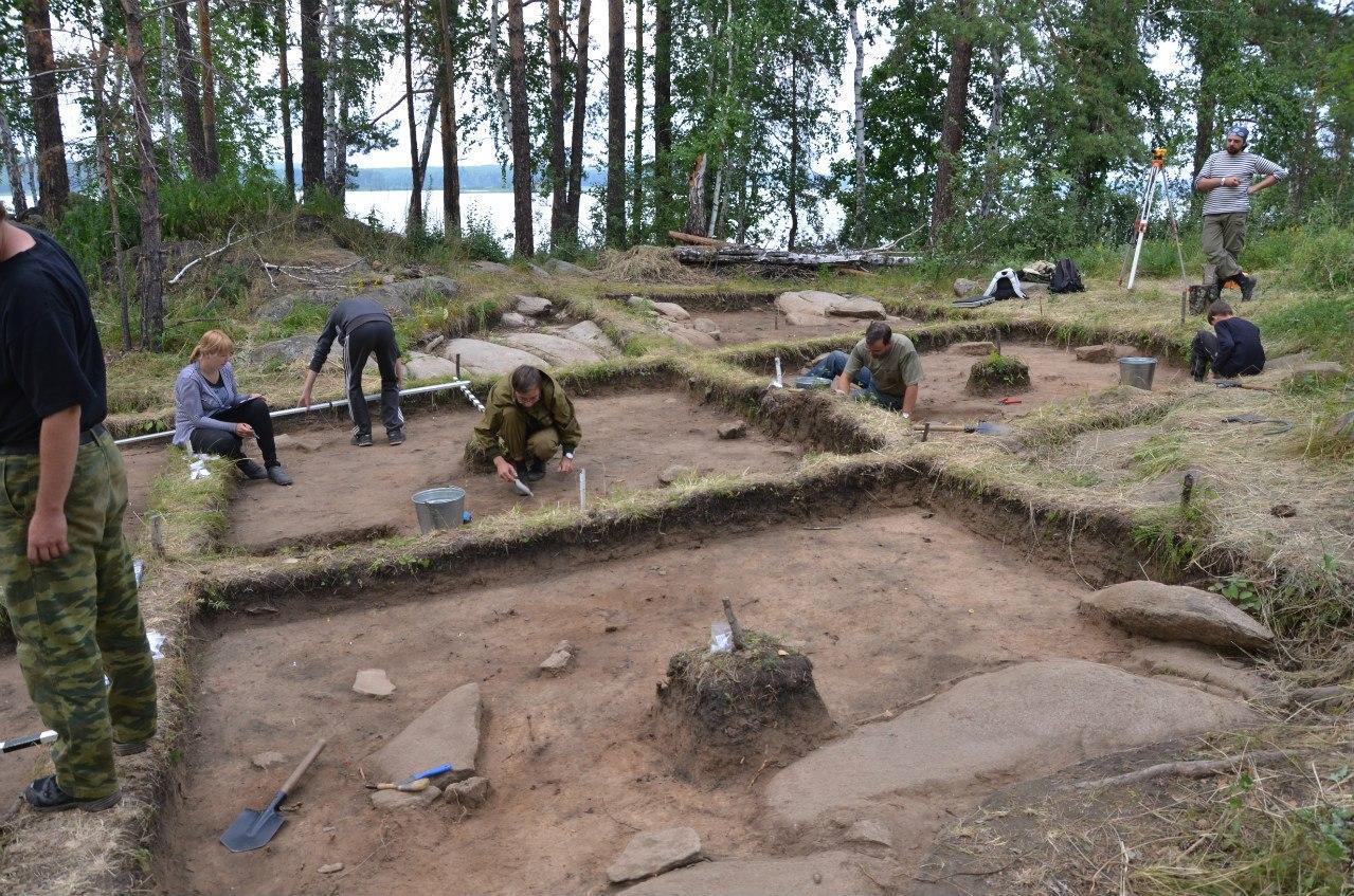 Археологические работы намысе Кедровом