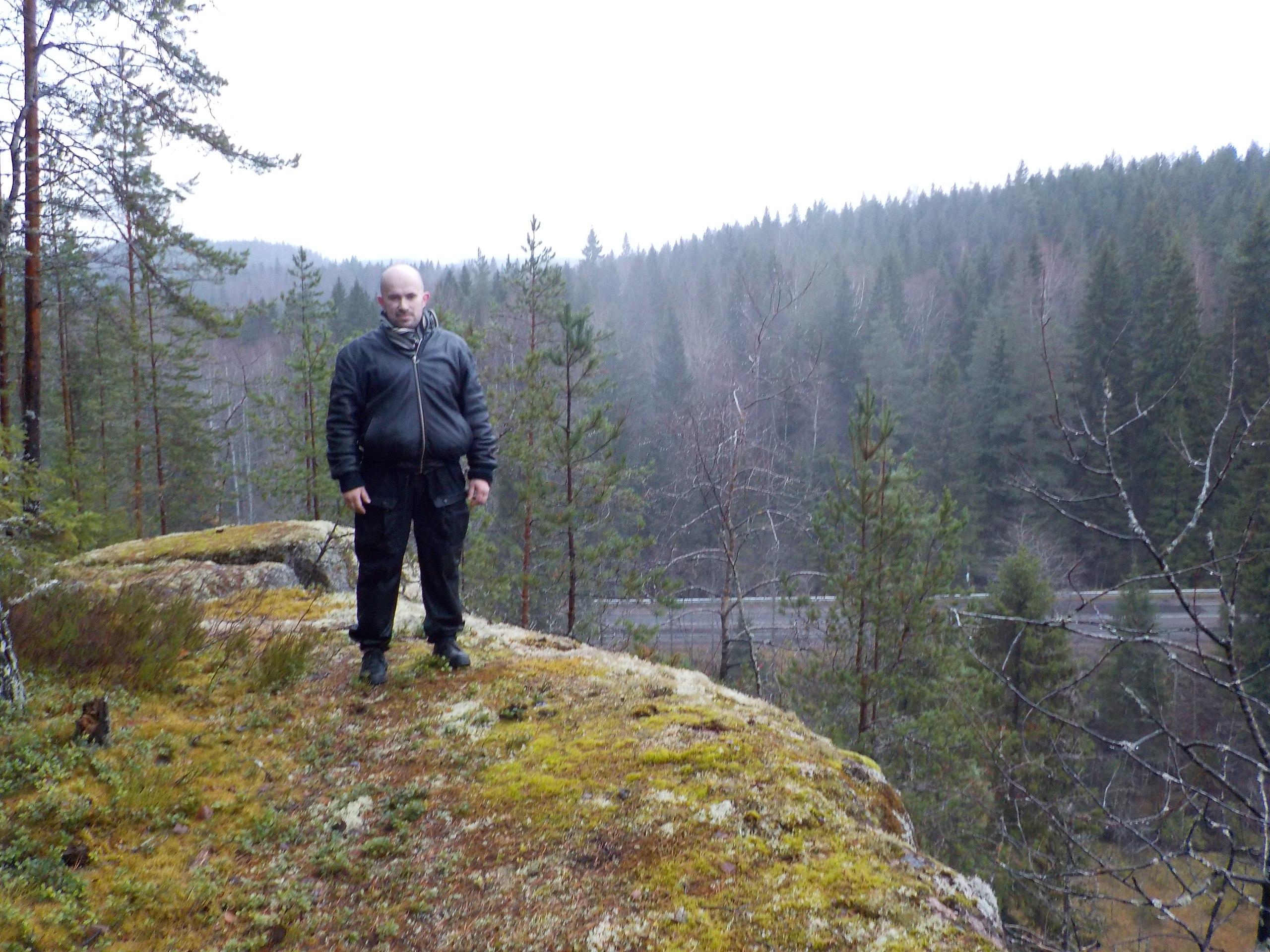 Возрождение - самый красивый скальный массив в Ленинградской области.