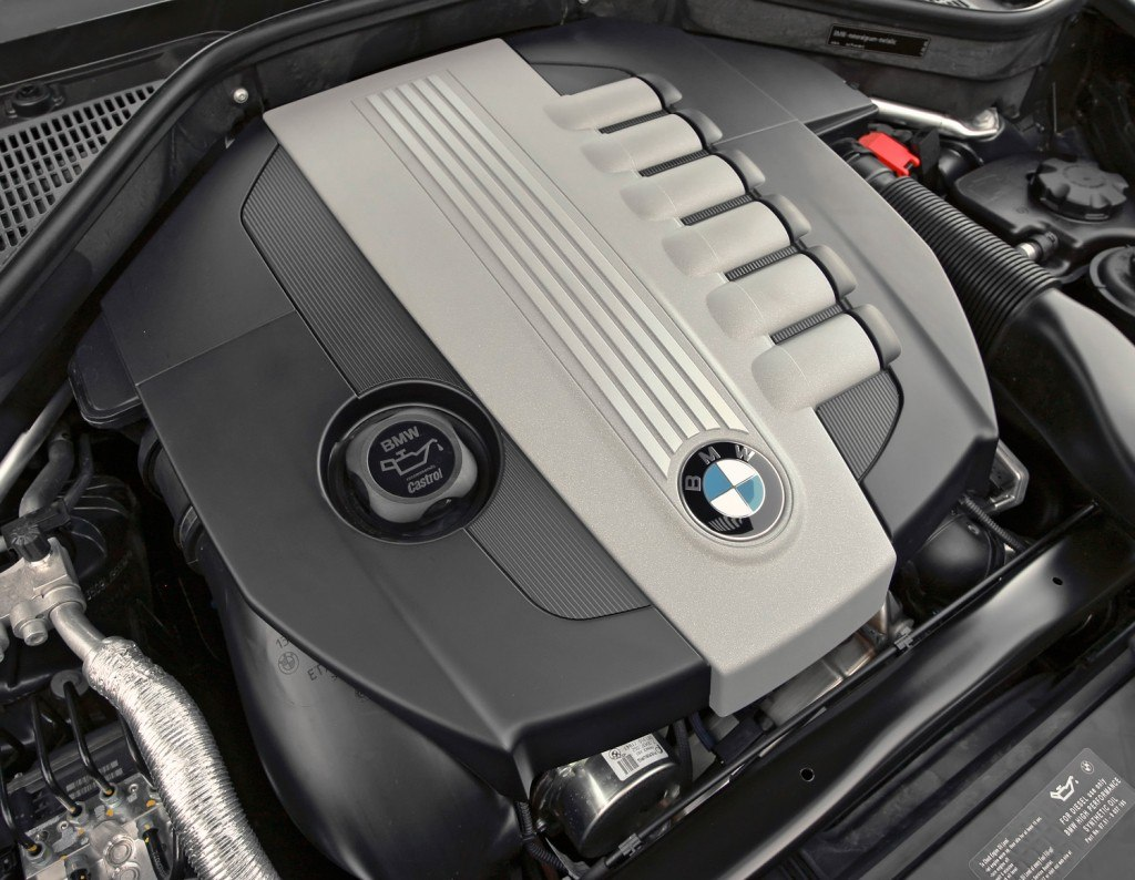 X5 35D engine cover