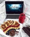 Зима у меня абсолютно всегда ассоциируется с Гарри Поттером!