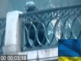 Україна: Беркут стріляє з автомата Калашникова до натовпу, багато мертвих люди