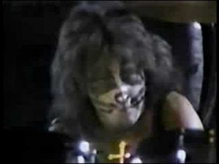 Peter Criss drum solo 1977
