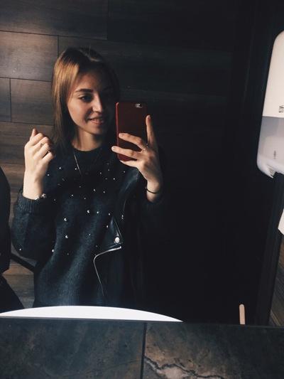 Анжелика Лешукова