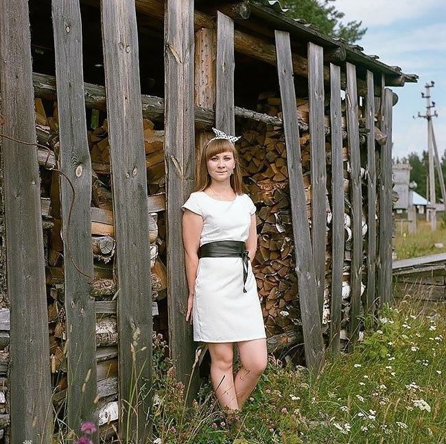 Gv7HtFyyzNM - Есть девушки в русских селеньях: фоторепортаж из глубинки