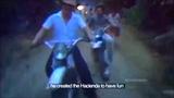Pablo Escobar en moto por la Hacienda N