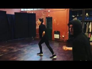 Así nos divertimos nosotros bailando ! ❤️ Terminar la semana así me hace feliz con amigos y haciendo algo que me fascina bailar